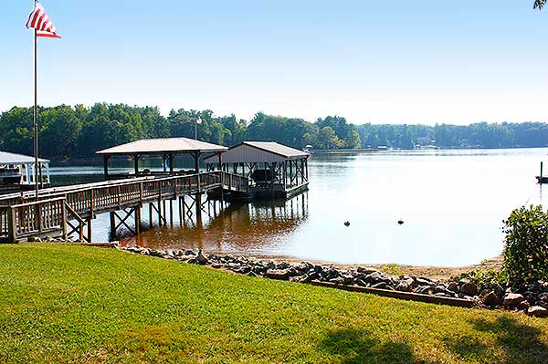 Lake Norman Vacation Home pier beach